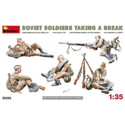 SOLDADOS SOVIETICOS DESCANSANDO - MiniArt 35233