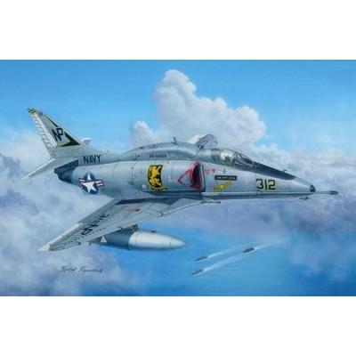 DOUGLAS A-4 F SKYHAWK - Hobby Boss 81765