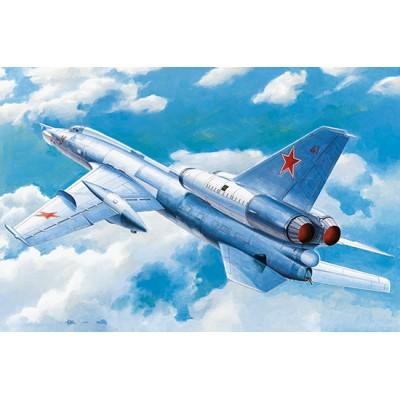 TUPOLEV TU-22 K BLINDER B -1/72- Trumpeter 01695