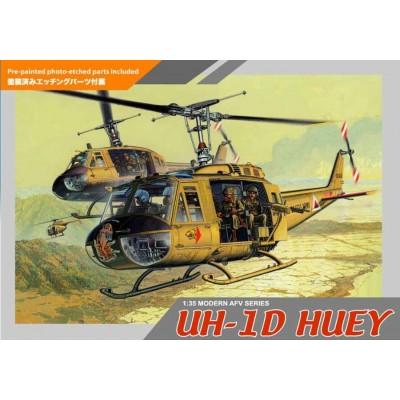 Vietnam: BELL UH-1D HUEY Y TRIPULACION