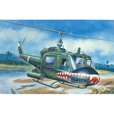 BELL UH-1C GUNSHIP