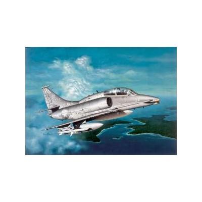 DOUGLAS OA-4M SKYHAWK II - ESCALA 1/72 - ITALERI 165