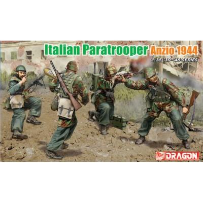 PARACAIDISTAS ITALIANOS (ANZIO 1.944)