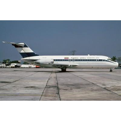 DOUGLAS DC-9-15 (Fuerza Aerea Venezolana) 1/144