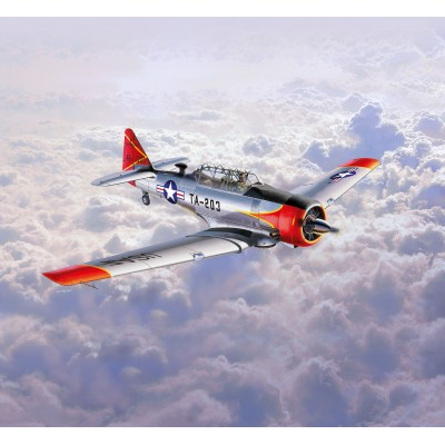 NORTH AMERICAN T6-G TEXAN -1/72- REVELL 03924