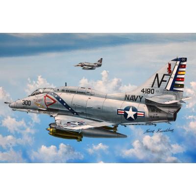 DOUGLAS A-4 F SKYHAWK -1/72- Hobby Boss 87255