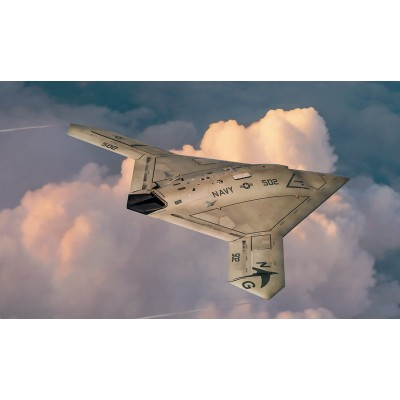 NORTHROP GRUMMAN X-47 B -1/72- Italeri 1421