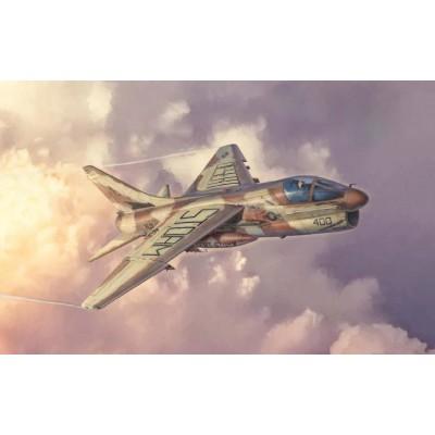 VOUGHT A-7 E CORSAIR II (Desert Storm) -1/48- Italeri 2797