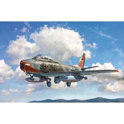 NORTH AMERICAN F-86 E SABRE -1/48- Italeri 2799