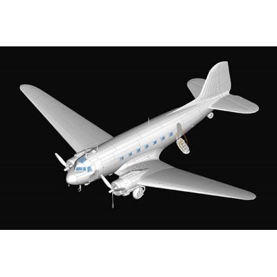 DOUGLAS DC-3 -Escala 1/48- Trumpeter 05813