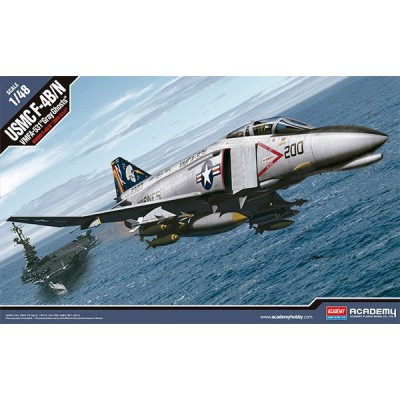 """McDONNELL DOUGLAS F-4 B/N PHANTOM II USMC - VMFA-531 """"Gray Ghost"""" -Escala 1/48- Academy 12315"""