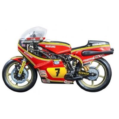 SUZUKI RG 500 XR27 (1978) Team Heron - Barry Sheene -Escala 1/9- Italeri 4644