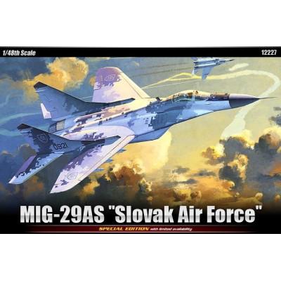 "MIKOYAN GUREVICH MIG-29 S FULCRUM ""Slovak Air Force"" -Escala 1/48- Academy 12227"