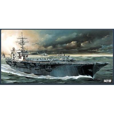 PORTAAVIONES U.S.S. KITTY HAWK CV-63 -Escala 1/800- Academy 14210