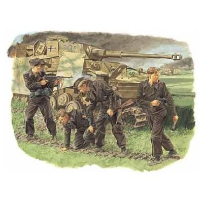 TRIPULACION PANZER KURST 1943