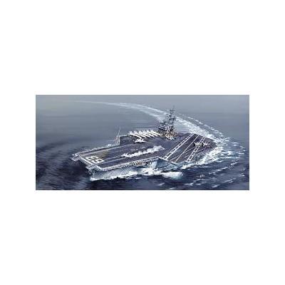 PORTAAVIONES U.S.S. KITTY HAWK CV-63 -Escala 1/720- ITALERI 5522