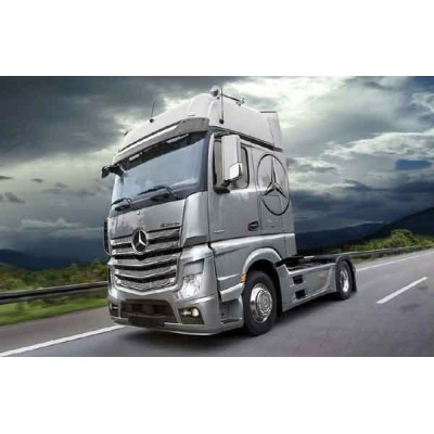 MERCEDES BENZ ACTROS MP4 GigaSpace 1/24 - Italeri 3905